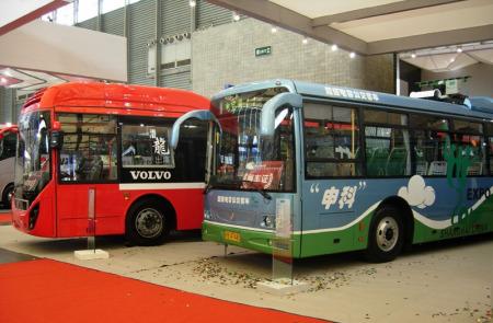 沃尔沃客车与巴士集团签客车销售框架协议_新浪大连