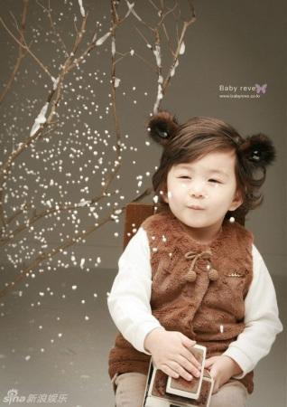韩国混血童星mason圣诞写真