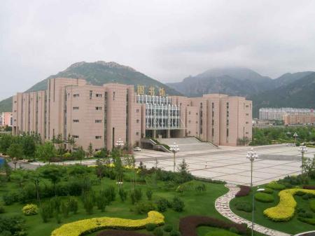 大连理工大学城市学院校园风景图片