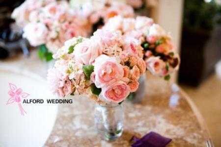 新娘手捧花和伴娘捧花