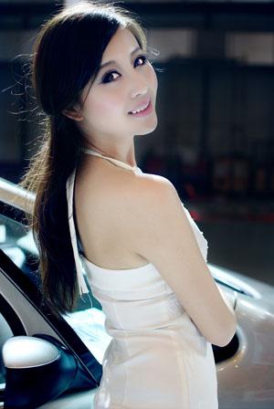 美空模特索蕾娜